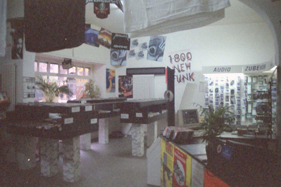 Unser Geschäft von vorne im Jahre 1994