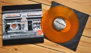 Unsere Jubiläumsvinyl in orange mit Cover