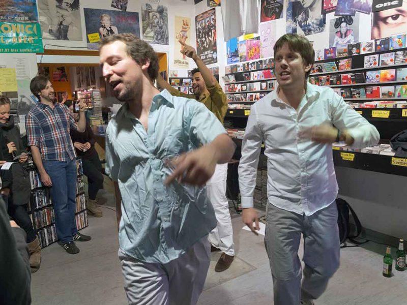 Dekhan & Paul & Lingo im InStore Gig bei Silver Disc